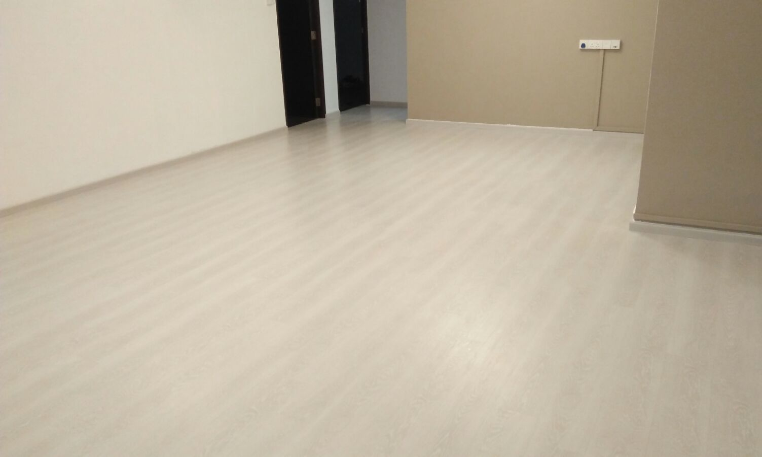 Vinyl flooring option in singapore for Linoleum flooring near me