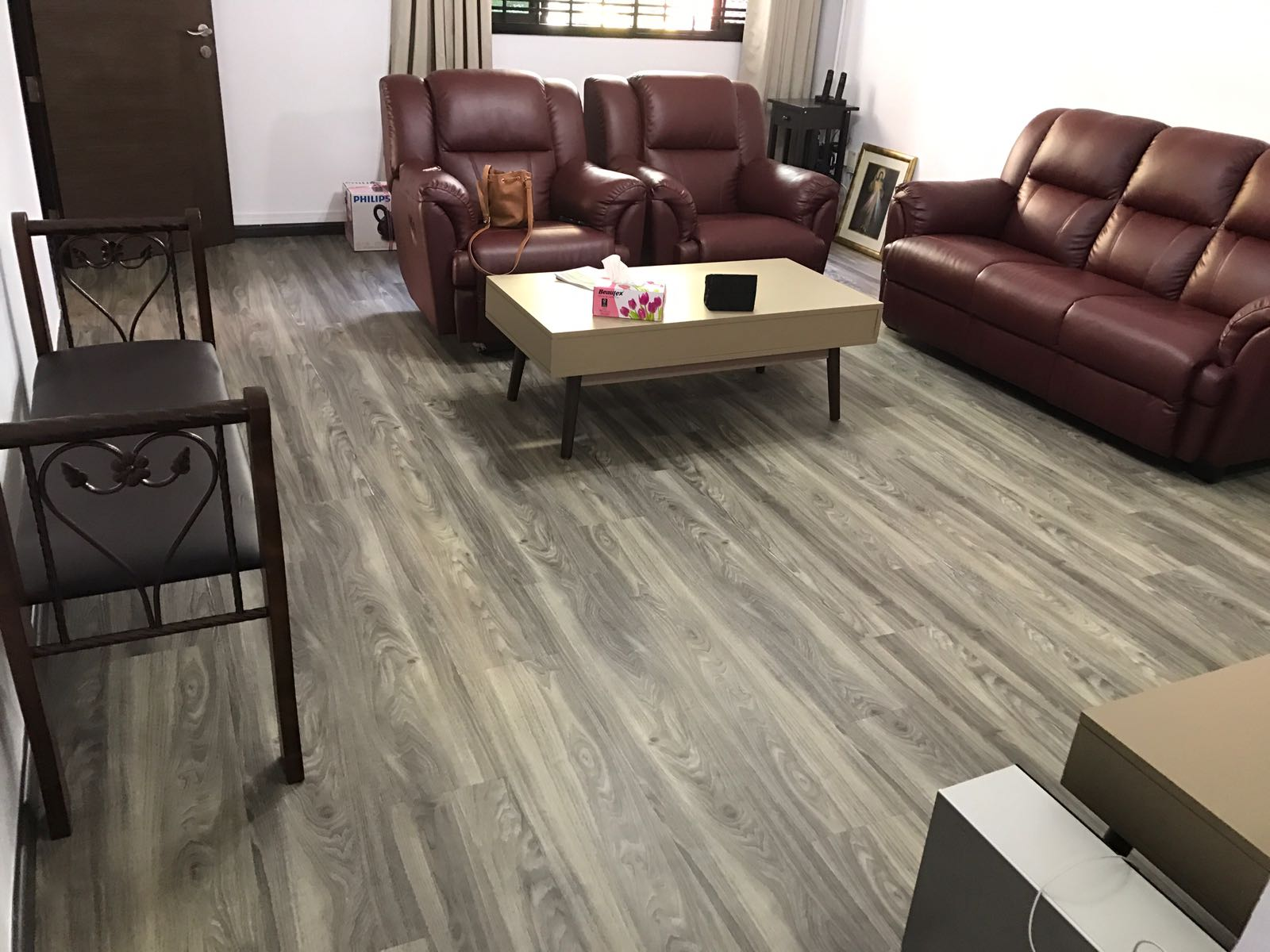 The Difference Between Vinyl Flooring And Eco Resilient Flooring ERF