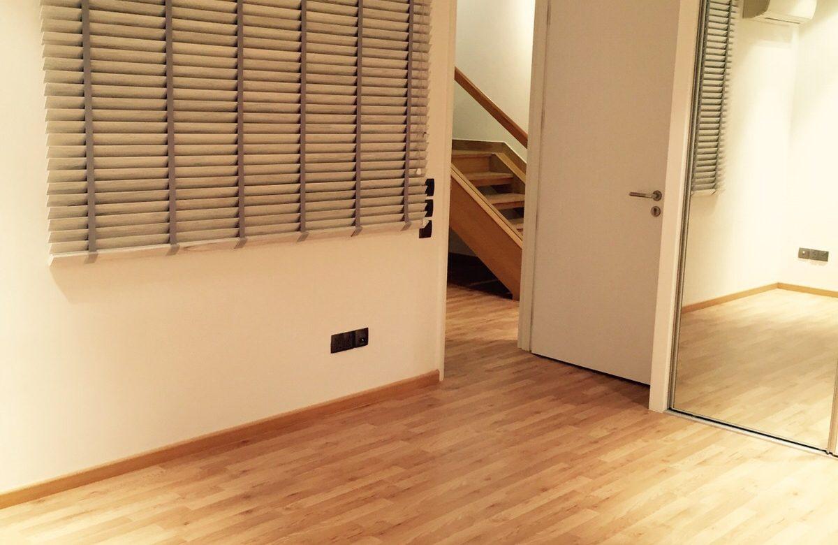 Kids Friendly Laminate Flooring The Floor Gallery - How hard is it to lay laminate flooring