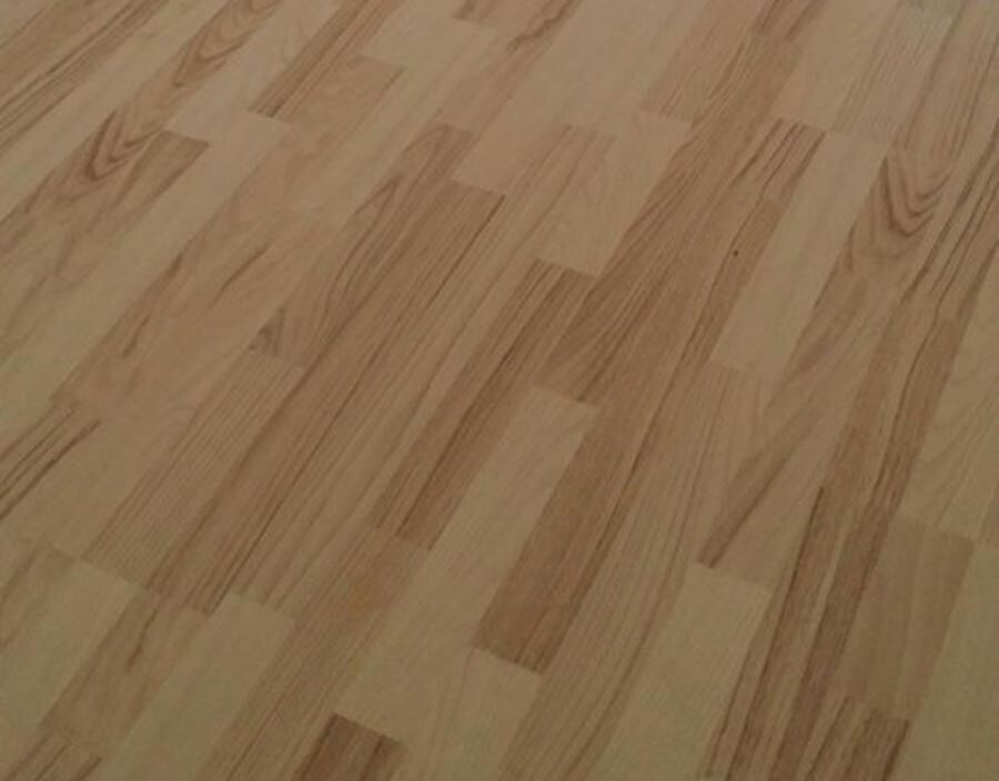When Investing In A Fresh Floor Many Home Owners Are Faced With An Option Between Laminate And Conventional The Difference These 2 Kinds Of Floors Can Be