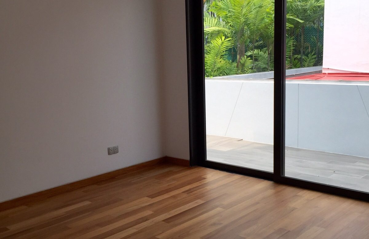 Differences Between Laminate Flooring And Solid Wood Flooring
