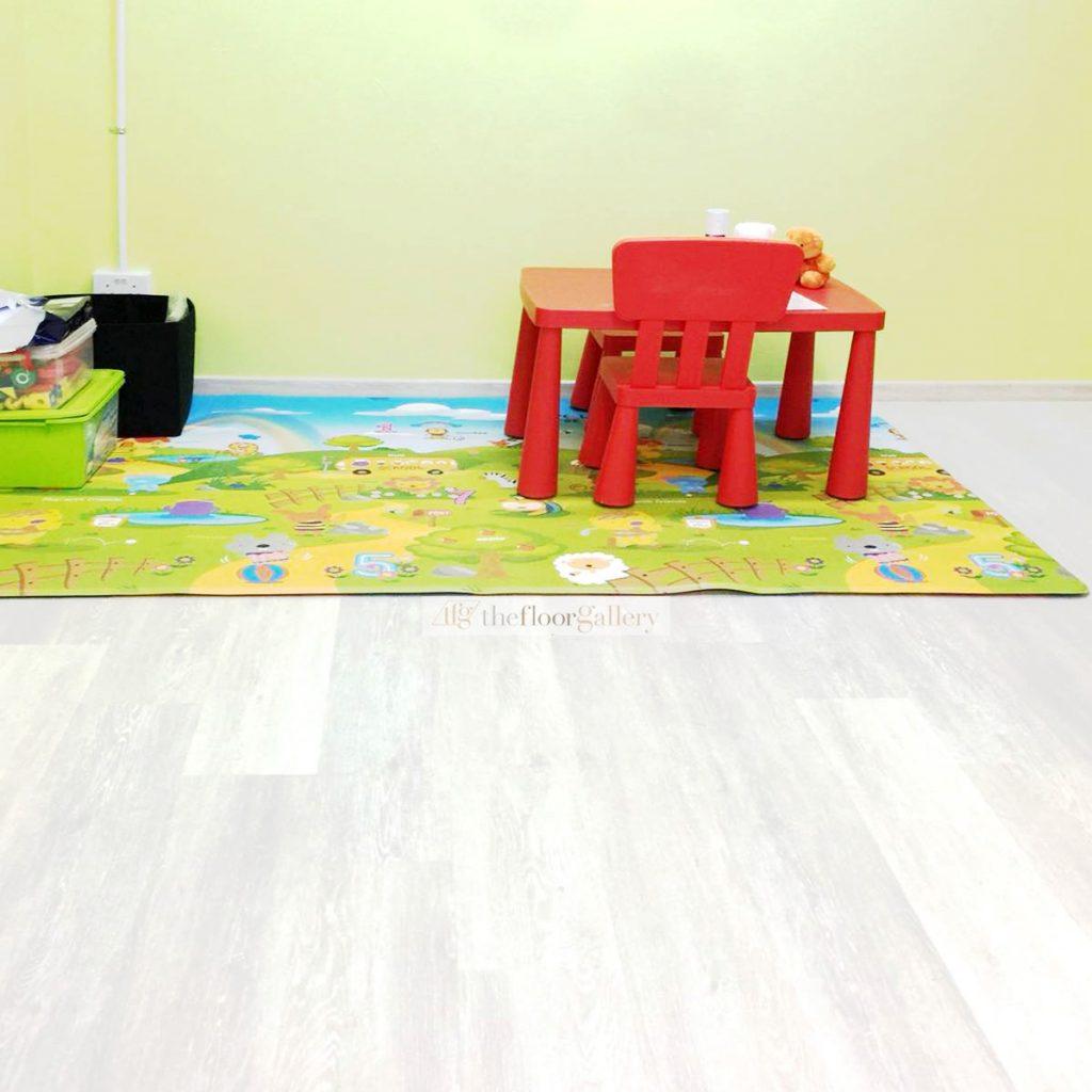 vinyl flooring disadvantages